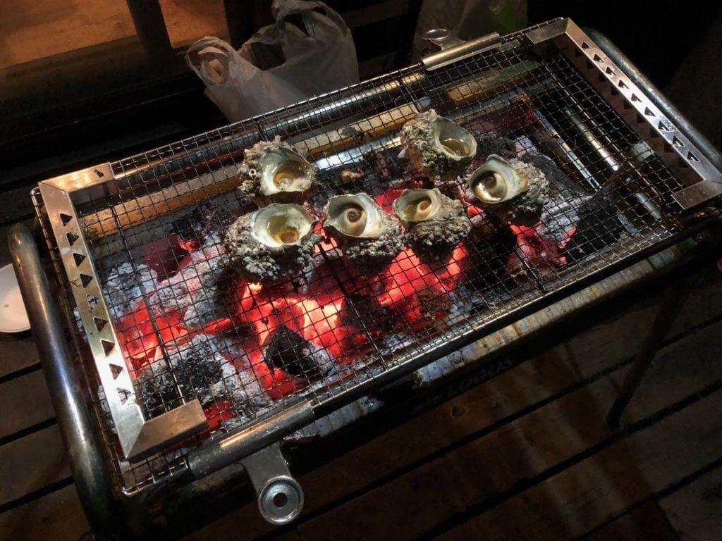 BBQでサザエの壷焼き